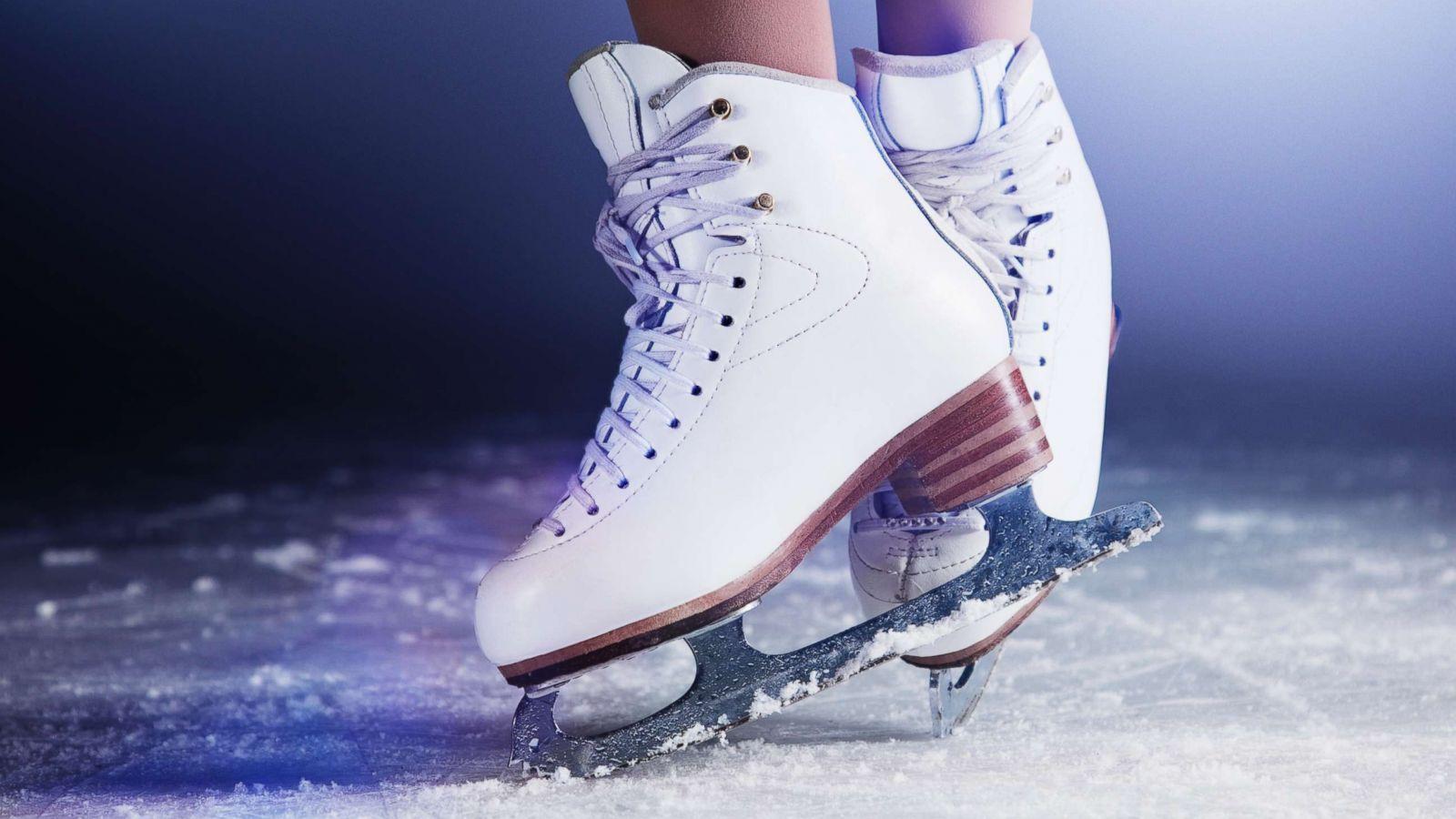 john warner school f4175 yrs 12 and 13 ice skating trip to van